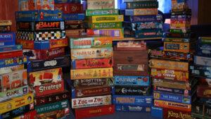 los-5-juegos-de-mesa-mas-populares-de-2020-catan-tablero-cartas-familia